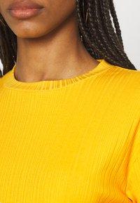 Monki - Print T-shirt - yellow medium - 5