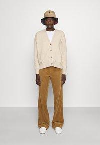 Polo Ralph Lauren - LONG SLEEVE CARDIGAN - Kardigan - tallow cream heather - 1