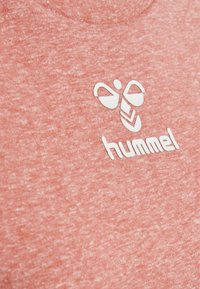 Hummel - PEYTON  - Print T-shirt - calypso coral - 4