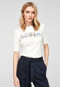 s.Oliver - Print T-shirt - offwhite power print - 0