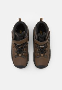 Keen - TARGHEE MID WP UNISEX - Hiking shoes - dark earth/golden brown - 3