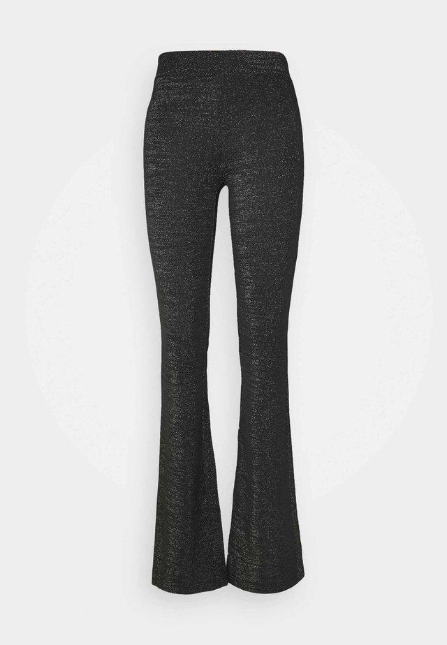ONLPAIGE FLARED PANT - Broek - black/gliter