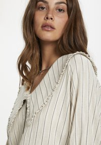 Soaked in Luxury - Button-down blouse - antique white - 3