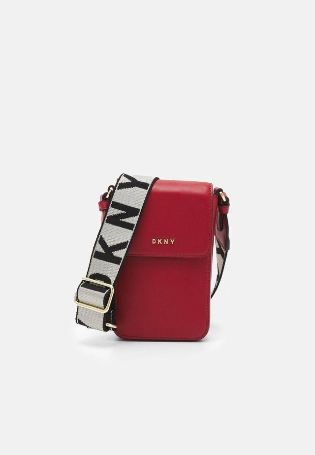 WINONNA FLAP PHONE - Across body bag - bright red