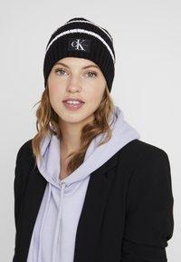 Calvin Klein Jeans - MONO BEANIE - Bonnet - black - 1