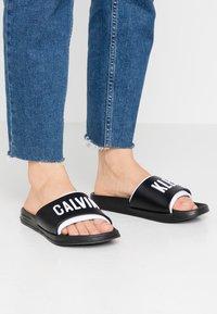 Calvin Klein Swimwear - SLIDE - Pantofle - black - 0