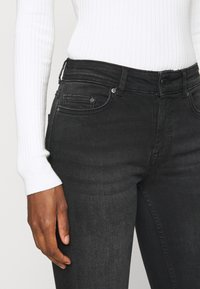 ONLY Tall - ONLBLUSH LIFE - Jeans Skinny Fit - black - 3
