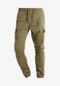 INDICODE JEANS - LAKELAND - Pantaloni cargo - army - 4