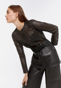 Uterqüe - 00665551 - Leather jacket - black - 2