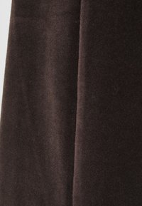 Noisy May Petite - NMABBY PANT - Trousers - chocolate brown - 2