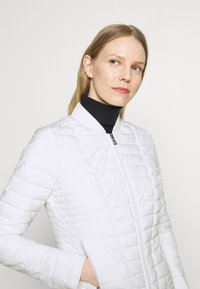 Guess - VERA JACKET - Light jacket - true white - 3