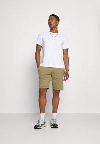 Calvin Klein - SMALL LOGO - Shorts - green - 1