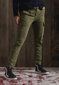 Superdry - Cargo trousers - tuscan olive - 0