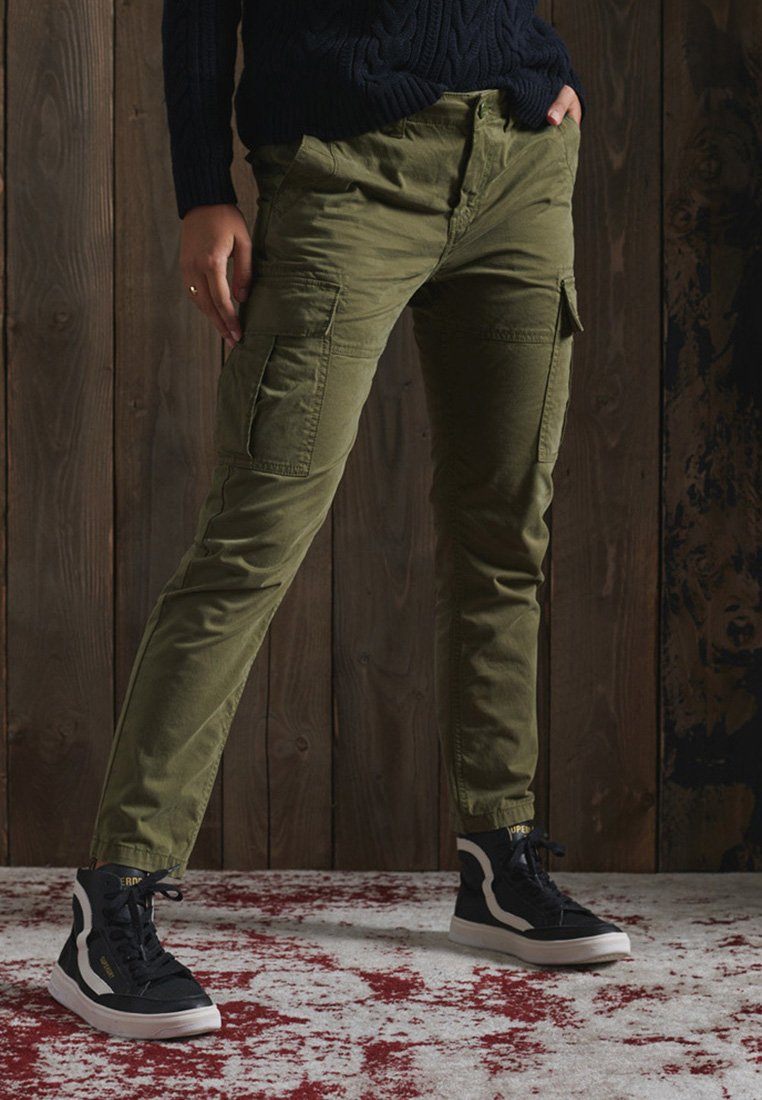 Superdry - Cargo trousers - tuscan olive