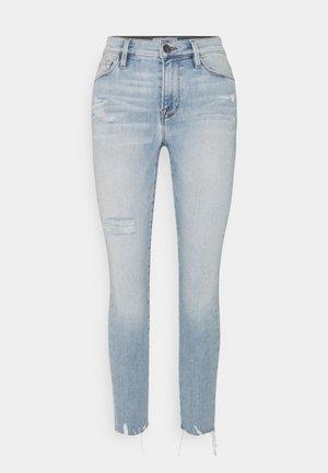 SKINNY DE JEANNE CROP RAW EDGE AFTER WASH - Jeans Skinny Fit - light blue