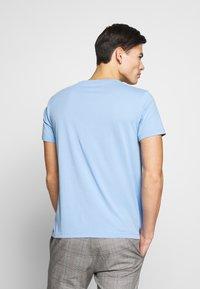 Esprit - LOGO - T-shirt z nadrukiem - light blue - 2
