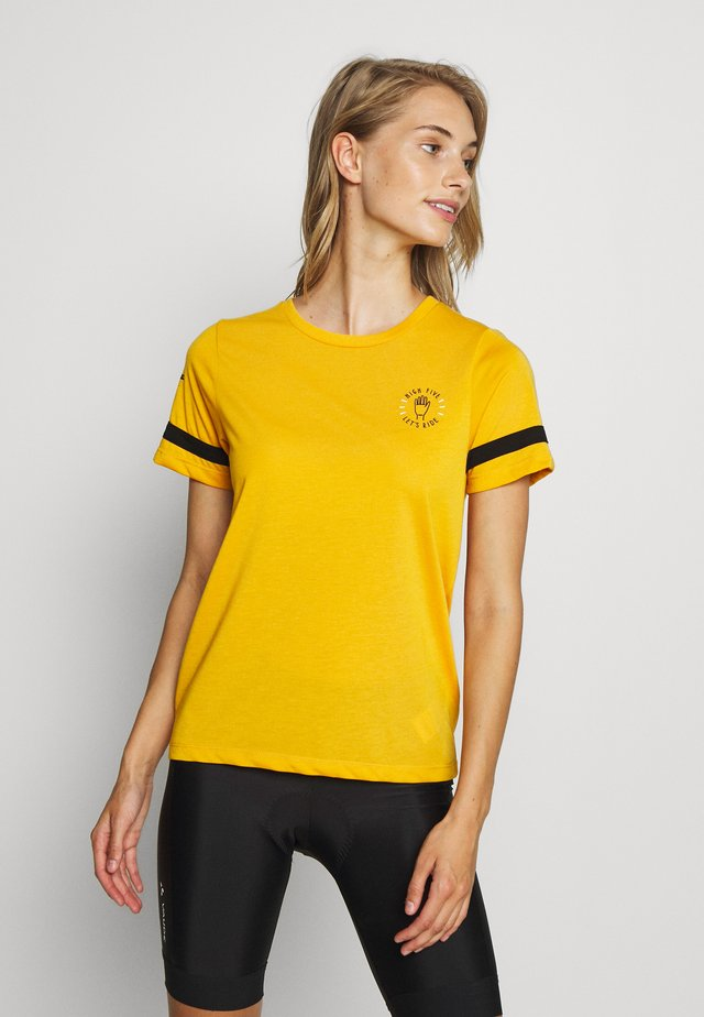 WOMENS HIGH FIVE TECH - Sports shirt - golden glow