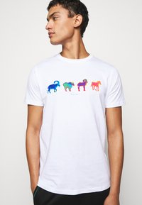 PS Paul Smith - MENS SLIM FIT GOATS ZEBRA - Triko s potiskem - white - 4