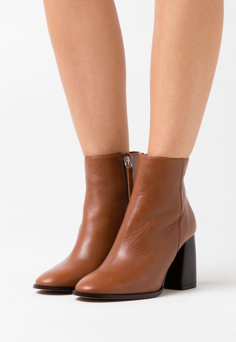 LAB - Ankle boots - volga