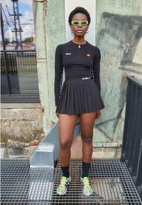 Ellesse - CASALINA - Long sleeved top - black - 1