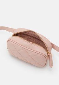 Valentino Bags - OCARINA - Bum bag - cipria - 2