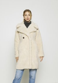 Vero Moda - VMLYNNE JACKET - Short coat - oatmeal - 0