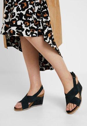 CAPRI SUNSET X-BAND - Wedge sandals - black