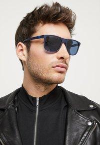 Emporio Armani - Sluneční brýle - matte blue - 1