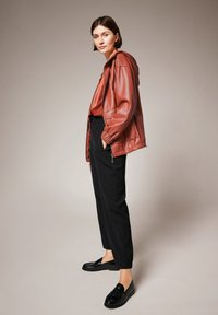 comma - Faux leather jacket - cinnamon - 3