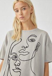 PULL&BEAR - T-Shirt print - off-white - 3