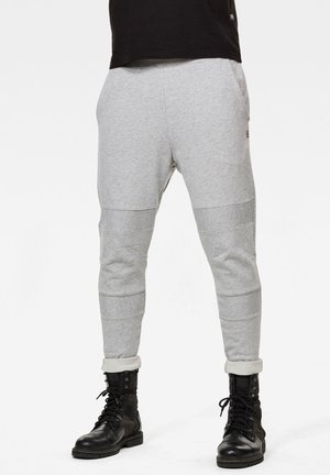 MOTAC SLIM TAPERED - Tracksuit bottoms - lt grey htr