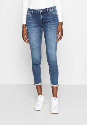 LEXY - Jeans Skinny Fit - dark random sporty