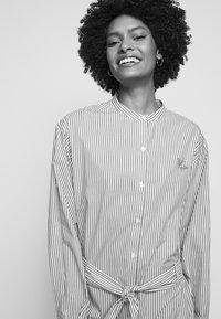 Maison Labiche - DRESS GOOD VIBE - Shirt dress - white/blue - 4