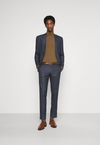 Isaac Dewhirst - CHECK SUIT - Suit - dark blue - 1