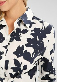 Apart - Robe chemise - creme/ nachtblau - 3