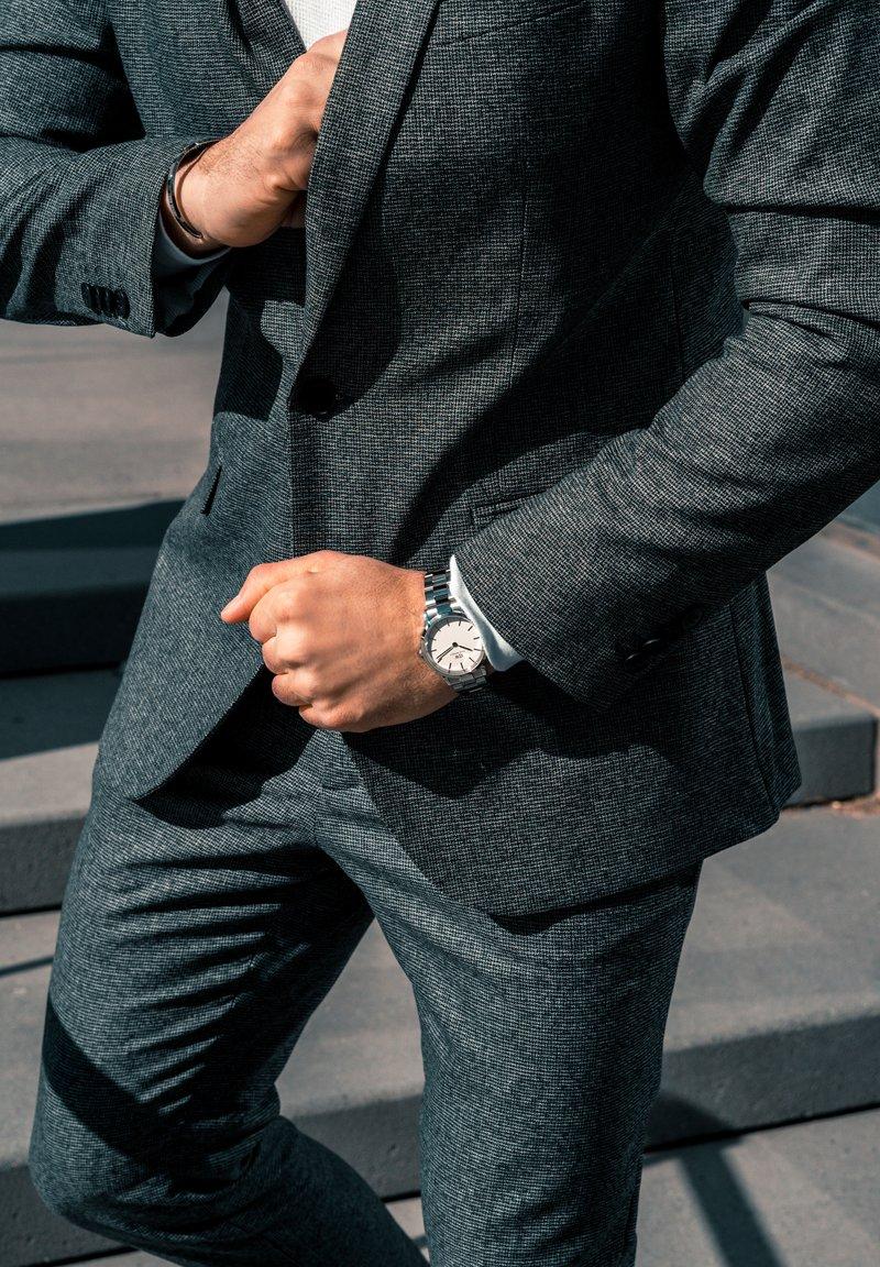 Daniel Wellington - ICONIC LINK 40MM - Horloge - silver