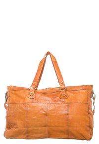 Pieces - TOTALLY ROYAL  - Weekend bag - cognac - 2