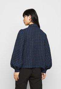 Pieces Petite - PCLUNNA SHIRT - Button-down blouse - black/navy - 2