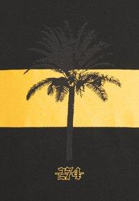 274 - PALM BLOCK TEE - Print T-shirt - black - 4
