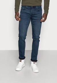 Only & Sons - ONSLOOM DARK - Slim fit jeans - blue denim - 0