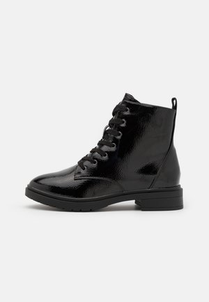 WIDE FIT DIGGER LACE UP - Lace-up ankle boots - black