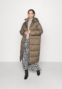 EDITED - OLWEN PUFFER COAT - Winter coat - grün - 1