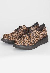 TJ Collection - DERBIES - Chaussures à lacets - brown - 2