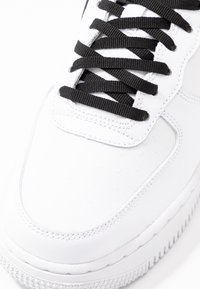 Nike Sportswear - NIKE AIR FORCE 1 '07 SE - Trainers - white/black/china rose - 7