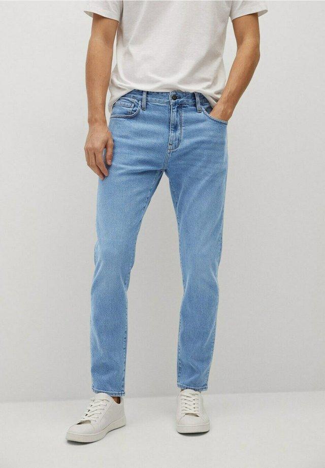 TOM - Jeans slim fit - light-blue denim