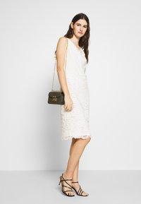 Lauren Ralph Lauren - ISABELLA LACE DRESS COMBO - Vestito elegante - matte ivory - 1