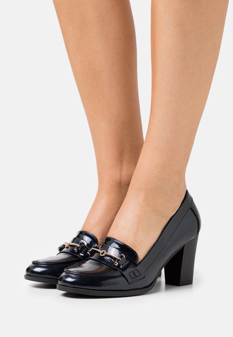 Wallis - CONQUER - Classic heels - navy