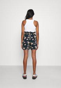 Vero Moda - Shorts - navy blazer - 2