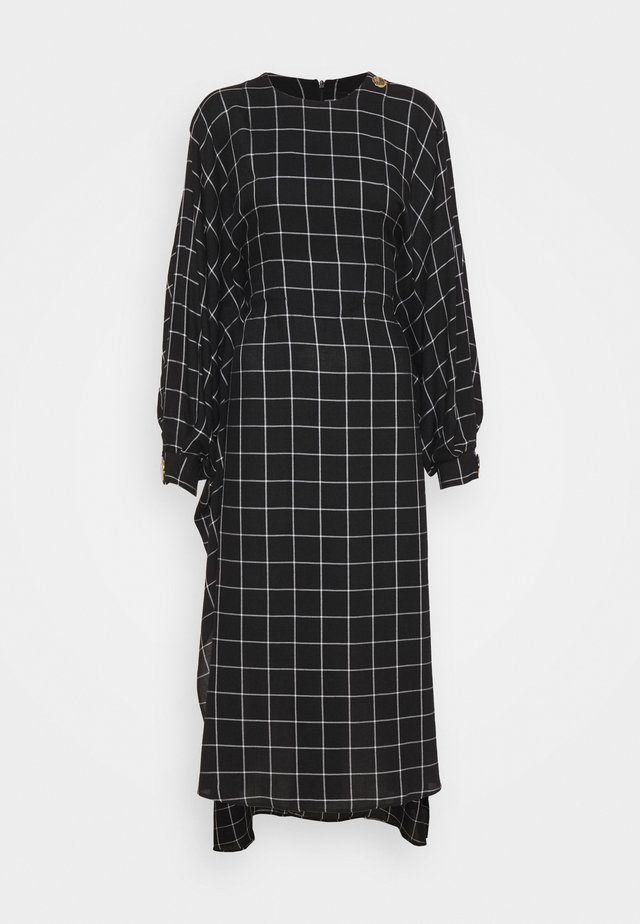 BAT WING DRESS WITH BIB FRONT - Sukienka letnia - black/white