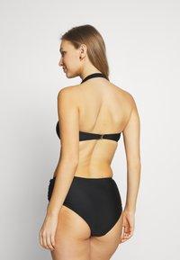 YAS - YASKINOA HALTERNECK BANDEAU - Bikini top - black - 2